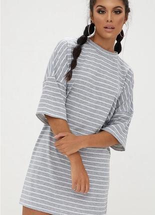 Платье-футболка prettylittlething