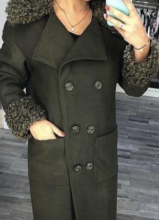 Кашемировое пальто цвета хаки