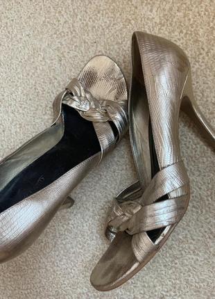 Кожаные туфли натуральная кожа открытый носок бразилия river island