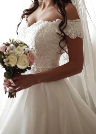 Шикарное пышное свадебное платье1 фото