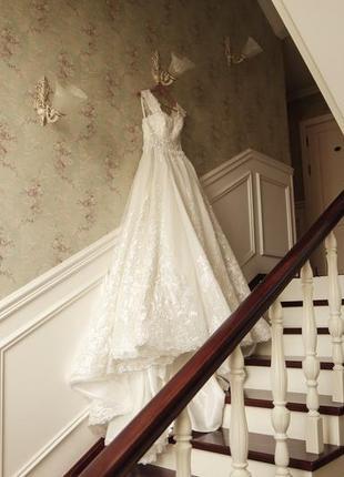 Шикарное пышное свадебное платье7 фото