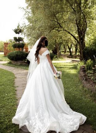 Шикарное пышное свадебное платье9 фото