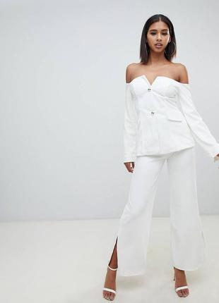 Шикарный белый костюм