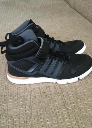 Женские кроссовки adidas черные на стелька 24 см