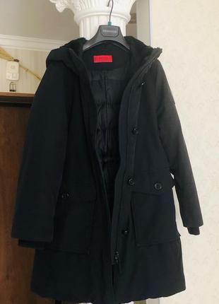 Куртка  hugo boss ( оригинал ) !!