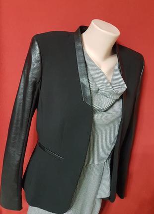 Стильный пиджак с кожаными вставками от h&m
