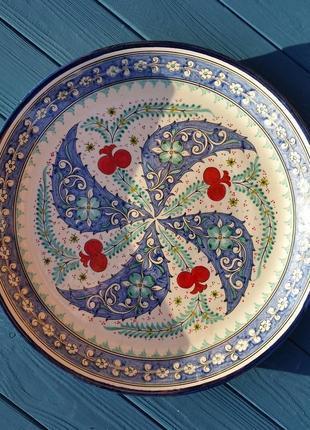 Традиционная узбекская тарелка для подачи любых вторых блюд.
