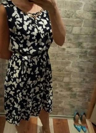 Красивое ,легкое платье в бабочки р 44-46