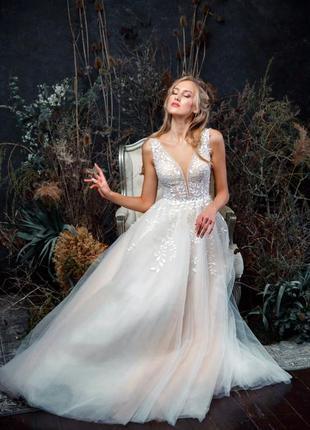 Свадебное платье коллекция 2020 года, одевалось один раз на фотоссесию