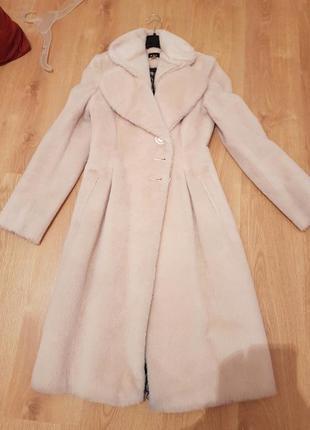 Хутряне пальто-шуба