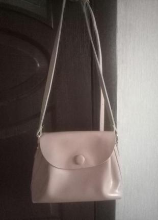 Нереальная кожаная пудровая сумочка