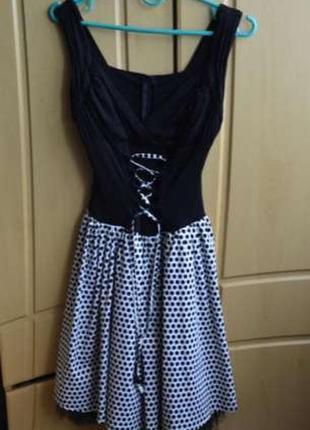 Впускное платье в горошек
