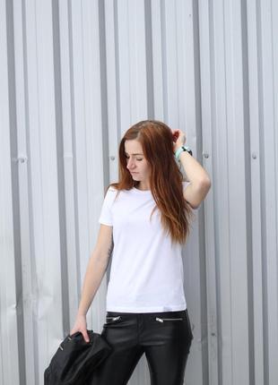 Білі базові футболки victory