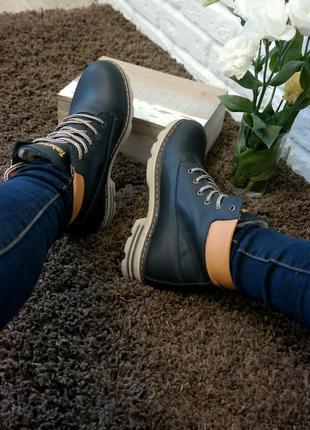 Женские кожаные  зимние ботинки ,  теплый мех, темно синие