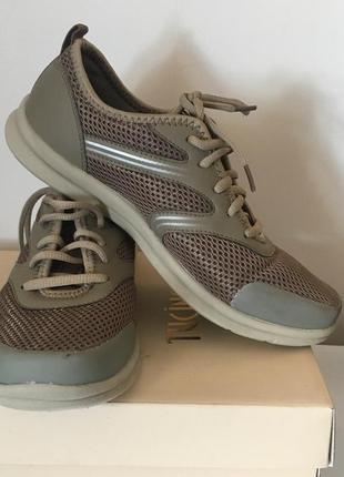 Удобные кроссовки стелька 25.5 см rieker