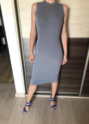 Стильное стальное платье оверсайс