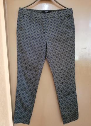 Стильные брюки скинни в мелкий принт супер брюки