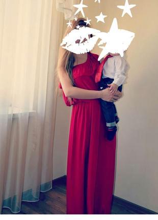 Нарядное красное платье в пол