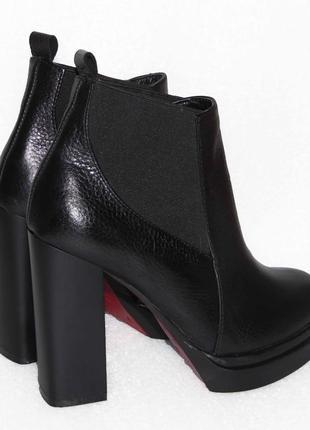 Демисезонные кожаные ботинки, черного цвета, 36,37,40р2
