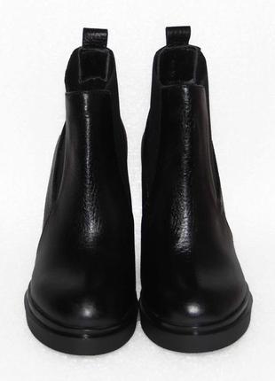 Демисезонные кожаные ботинки, черного цвета, 36,37,40р5