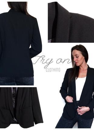Чорний піджак - незамінний елемент гардеробу