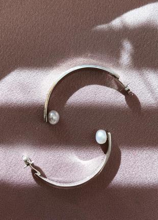 Серебряные серьги «лодочки» с жемчугом (темно-фиолетовый/серый/белый) ручная работа
