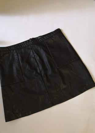 Юбочка с карманами из эко-кожи бренда next, размер 16/eur 44