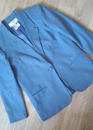 Красивый шерстяной пиджак жакет блейзер