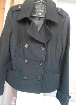 Осенне-весенняя кашемировая куртка на девушку 44 размера