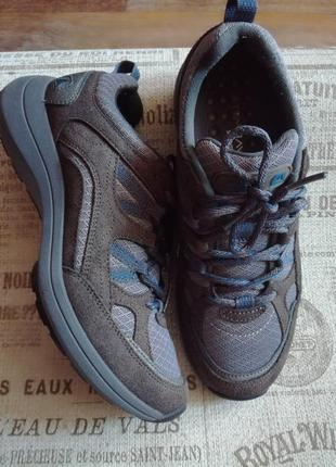 Спортивные туфли,кроссовки clarks размер 35-36