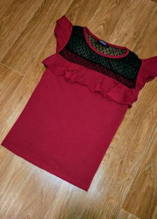 Красная футболка с сеткой