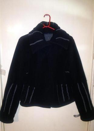 Оригинальная, флисовая,угольно-чёрная куртка с карманами,большого 2/18 размера