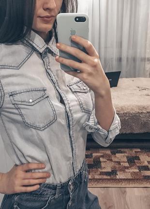 Блузка хорошего качества.