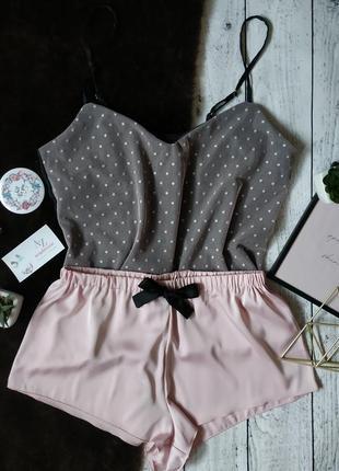 Оригинальная шёлковая пижама в горошек