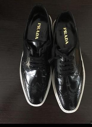 Новые кожаные туфли оксфорды