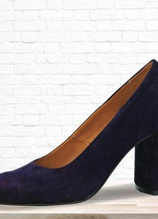 Замшевые туфли eight на каблуке. синие.