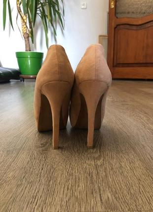 Туфли на каблуке2 фото
