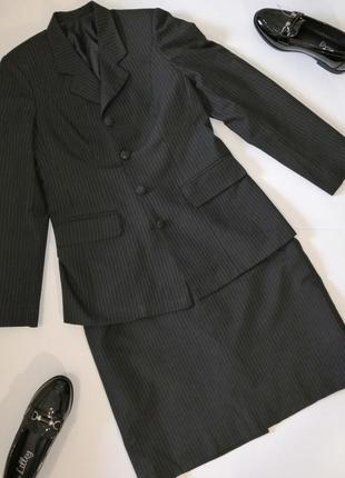 Классический костюм женский