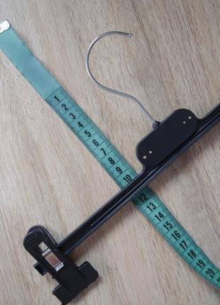 Супер удобная вешалка-прищепка для хранения брюк