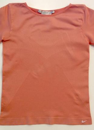 Спортивная бесшовная футболка nike оригинал для тренировок зала фитнеса бега xs