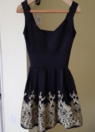 Платье мини с декором