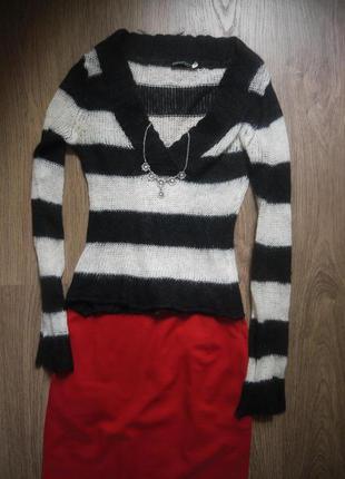 Стильный свитер в полоску - тельняшка