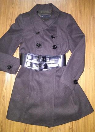 Фирменное стильное пальто zara. шерсть