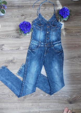 Классный джинсовый комбинезон