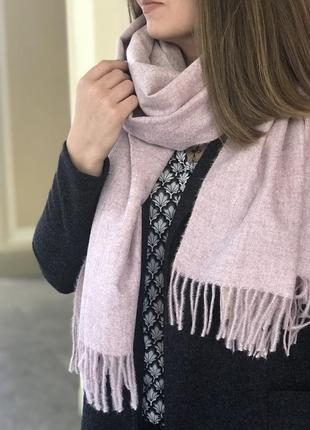 Нежно-розовый широкий шарфик