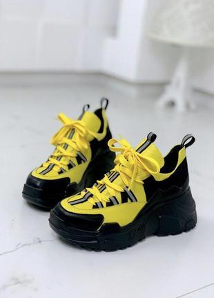 Яркие стильные шикарные кроссовки на массивной подошве  из натуральной кожи замши