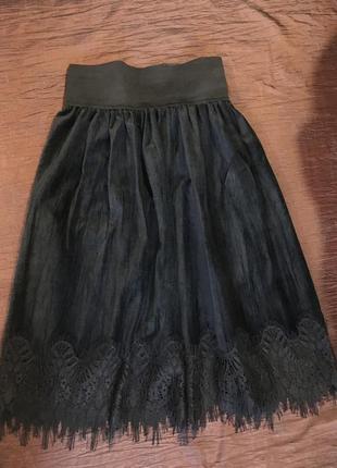 Нарядная бархатная юбка длина миди с кружевом