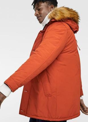 Яркая зимняя куртка-парка от zara