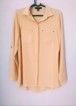 Красивая шифоновая блузка с кармашками пудрового цвета