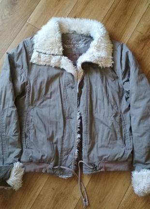 Стильная хлопковая куртка светло-коричневого цвета amisu, р. 38